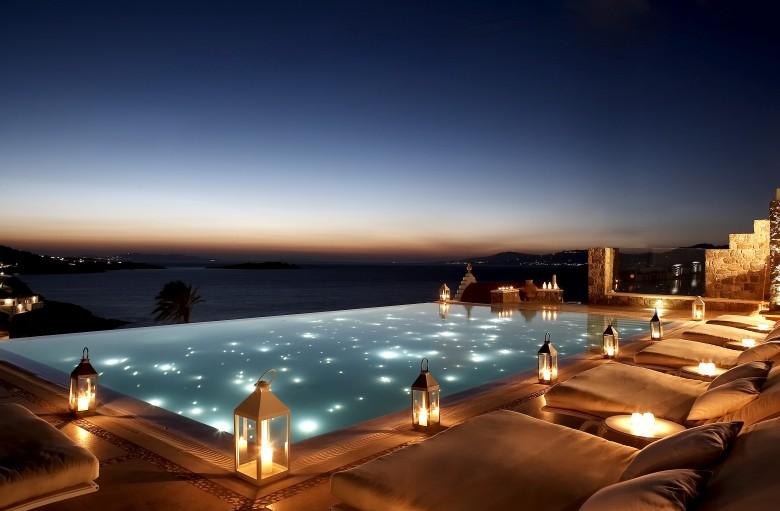 bill_coo_suites_lounge-mykonos-piscina