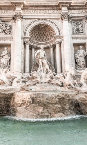 Fontana di Trevi, Roma, viagem, moda, estilo, look do dia, Gabi May, Trevi Fountain, Rome, travel, travel tips, fashion, style, ootd, outfit